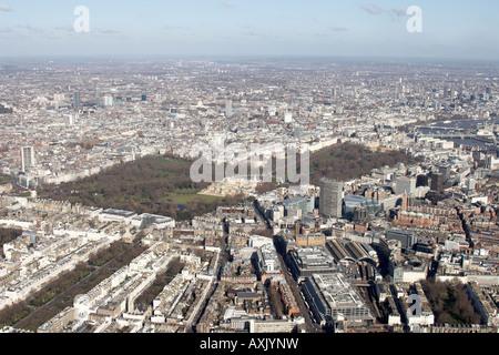 Hohen Niveau schrägen Luftbild Norden östlich von Westminster und Belgravia Buckingham Palace Victoria Station St - Stockfoto