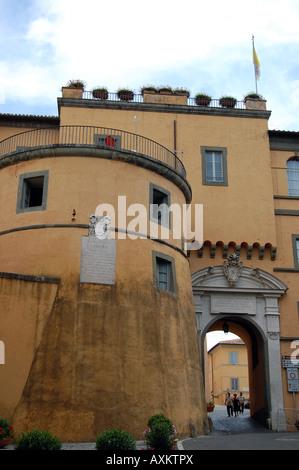 Die Seite des päpstlichen Sommerpalast in Castel Gandolfo - Stockfoto