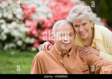 Porträt eines älteren Paares im freien - Stockfoto