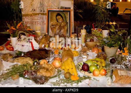 Altar für Tag von den Toten 2005, Paseo De La Plaza, Olvera Street - der älteste Teil von Los Angeles - Stockfoto