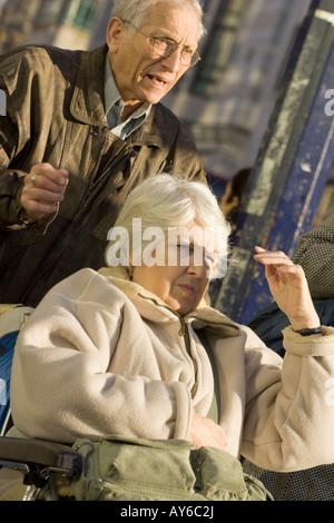 Menschen auf der Straße, London - Stockfoto