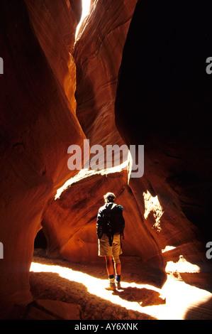 Whit Richardson in einem Nebenfluss des Antelope Canyon Arizona - Stockfoto