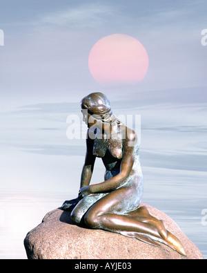 DK - COPENHAGEN: Die berühmte kleine Meerjungfrau - Stockfoto