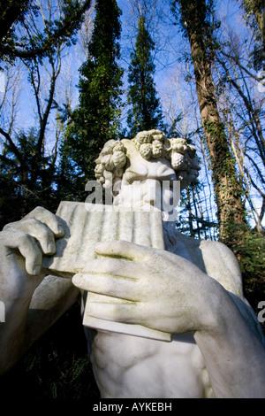 Der Griechische Gott Pan Im Park Mondo Verde griechischen Gott Pan auf dem Gelände der Freude von Mondo Verde Niederlande