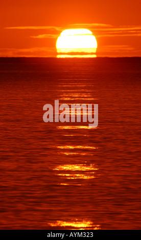 Sonnenaufgang über dem Meer - Stockfoto