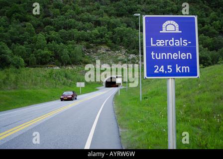 Lærdalstunnelen (Laerdal-Tunnel), ist 24,5 km die weltweit längste Tunnel, Laerdal, Sogn Og Fjordane, Norwegen, - Stockfoto