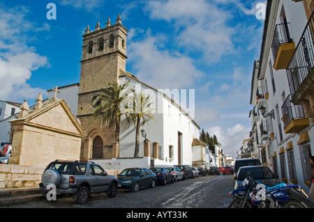 Kleine Straße und Kirche in Granada, Andalusien, Spanien - Stockfoto