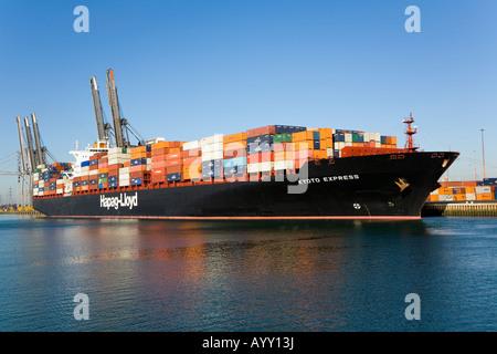 Kyoto Express Containerschiff in Southampton Containerterminal - Stockfoto