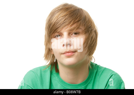 13-jähriger Junge mit einem grünen t-shirt - Stockfoto