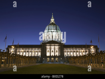 Rathaus und Civic Center Plaza in der Nacht San Francisco Kalifornien, USA - Stockfoto