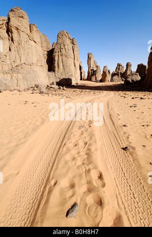 Felsformationen im Tassili du Hoggar, Wilaya Tamanrasset, Wüste Sahara, Algerien, El Ghessour, Nordafrika - Stockfoto