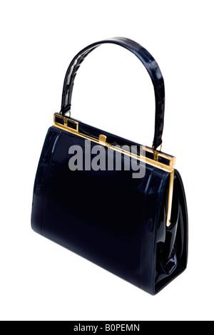 535c3fd154b9f ... der 1950   60er Jahre Vintage schwarzem Lackleder Handtasche - shot vor  einem weißen Hintergrund -
