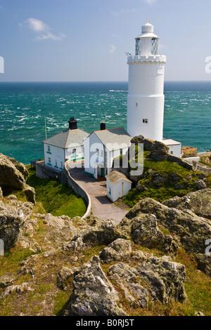Blick hinunter auf Start Point Leuchtturm Devon UK - Stockfoto