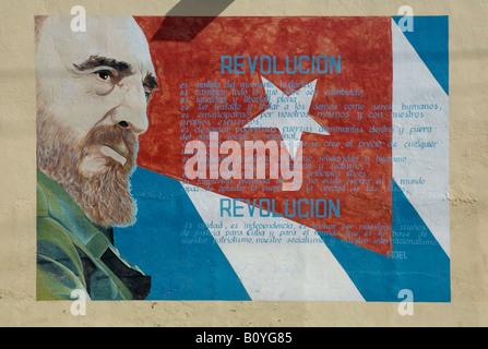 Wandbild mit Bild von Fidel Castro in Cienfuegos, Kuba.