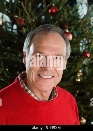Porträt von einem reifen Mann zu Weihnachten - Stockfoto