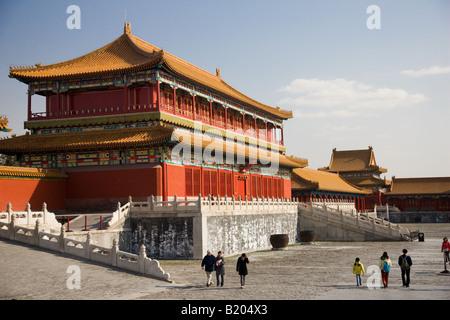 Touristen am Kaiser s Lager Kaiserpalast in der verbotenen Stadt Peking China - Stockfoto