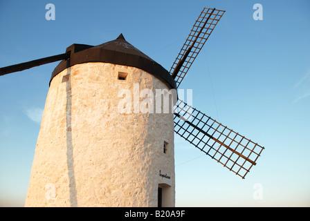 Windmühle in Consuegra. Provinz Toledo. Kastilien-La Mancha. Spanien. - Stockfoto