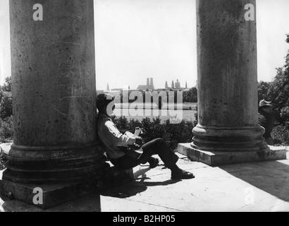 Geographie/Reisen, Deutschland, München, Englischer Garten, junger Mann mit Gitarre am Monopteros, 1964, Additional - Stockfoto