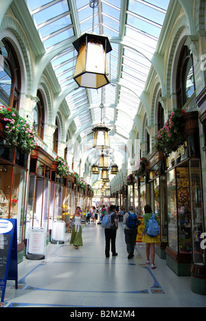 Royal Arcade Shopping Centre Interior, Norwich, Norfolk, England, Vereinigtes Königreich - Stockfoto