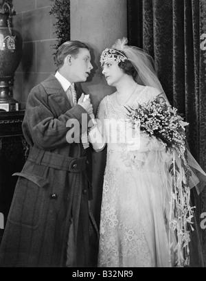 Mann und Braut mit leidenschaftlichen moment - Stockfoto