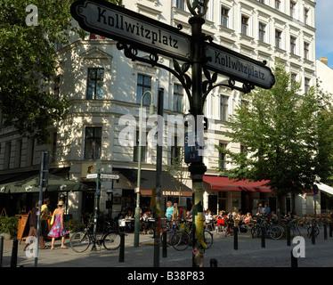 Cafés und Restaurants am Kollwitzplatz in modischen Berliner Stadtteil Prenzlauer Berg, Deutschland - Stockfoto