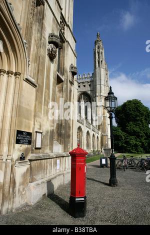 Stadt von Cambridge, England. Torhaus Eingang zum Kings College in Cambridge auf des Königs-Parade. - Stockfoto