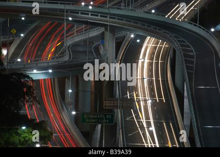 Verkehr auf der Schnellstraße in Brisbane Queensland Australien - Stockfoto