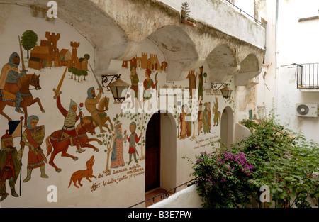 Die Wandmalereien eines Hauses in der alten Stadt von Sperlonga, Sperlonga, Lazio, Italien, Europa. - Stockfoto