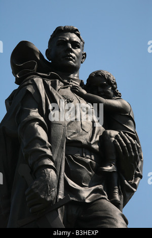 Sowjetisches Ehrenmal im Treptower Park in Berlin, Deutschland - Stockfoto