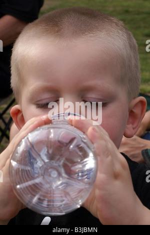Trinkwasser, hydratisierten bleiben - Stockfoto