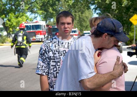 Frau Trost ihres Mannes war ein Opfer von einem Benzin-Explosion verursacht einen Hausbrand in Boise, Idaho - Stockfoto