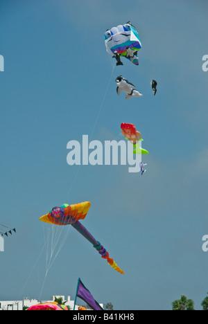Santa Monica Beach Los Angeles CA Flugspaß Drachen Spiele, spiderman - Stockfoto