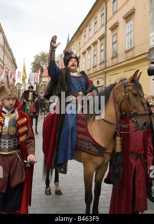 Polen Krakau Schauspieler Daniel Olbrychski als polnischen König Jan III. Sobieski 1683 Wien Siegesfeier - Stockfoto