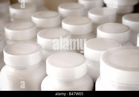Tablettenfläschchen - Stockfoto