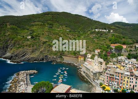 Luftaufnahme der Stadt Vernazza Cinque Terre Italien - Stockfoto