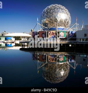 TELUS World of Science Building und BC Place Stadium in Vancouver, British Columbia, Kanada. - Stockfoto