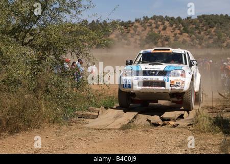 Pax-Rallye - Lisboa-Portimão - Dakar-Serie - Auto 230 - Nuno Pinto Coelho und João Martins Rosado - Stockfoto