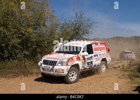 Pax-Rallye - Lisboa-Portimão - Dakar-Serie - Auto 247 - Padock Competições - Francisco Pita und Homberto Gonçalves - Stockfoto