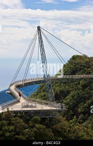Asien, Malaysia, der Insel Langkawi, Pulau Langkawi Hanging Suspension Gehweg über den Baumkronen des Regenwaldes - Stockfoto