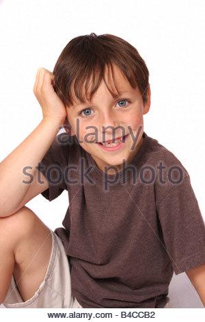 Ein Studio-Porträt eines jungen Mannes. - Stockfoto
