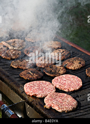 Hacksteaks Grillen auf Grill UK - Stockfoto