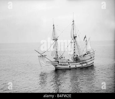 Die Mayflower II April 1957 wird kommt in Plymouth und bürgerlichen Empfang auf Mayflower Schritte - Stockfoto