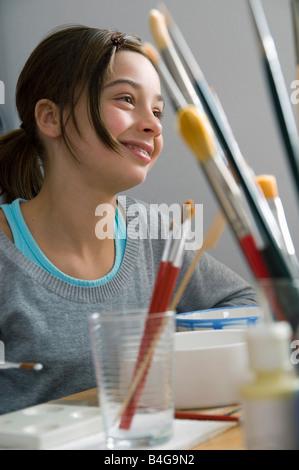 Ein junges Mädchen in einem Keramik-studio - Stockfoto