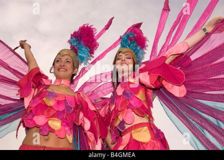 Frauen im Kostüm Ende Kinderarmut Kampagne, Trafalgar Square, London UK zu unterstützen. Samstag, 4. Oktober 2008 - Stockfoto