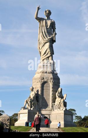 Nationales Denkmal an die Vorfahren errichtet im Jahre 1859 zu Ehren der Pilger von der Mayflower, die Plymouth, - Stockfoto
