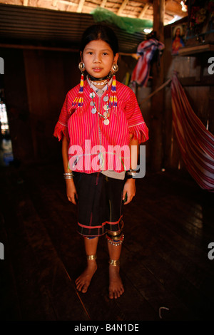 Ein junges Mädchen in das Lager, das ca. 300 birmanischen Flüchtlinge in Thailand Mitglieder der indigenen Gruppe - Stockfoto