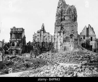 Ruinen des Hotel de Ville in Arras nach deutschen Bombardierung im ersten Weltkrieg 1917 - Stockfoto