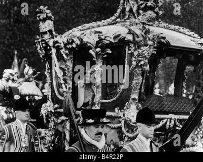 König Georg VI. und Königin Elizabeth Königin Mutter Zustand-Öffnung des Parlaments 1937 - Stockfoto
