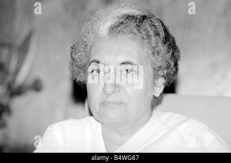Indische Premierministerin Indira Gandhi gesehen hier in hier Büro im Parlament Gebäude in Neu-Delhi Juli 1971; - Stockfoto