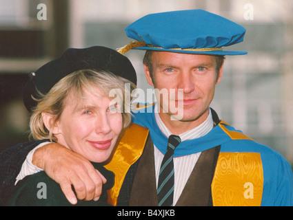 LIB-Sänger Sting Erhalt seiner Ehrendoktorat von Musik von der University of Northumbria für seinen Beitrag zu den - Stockfoto